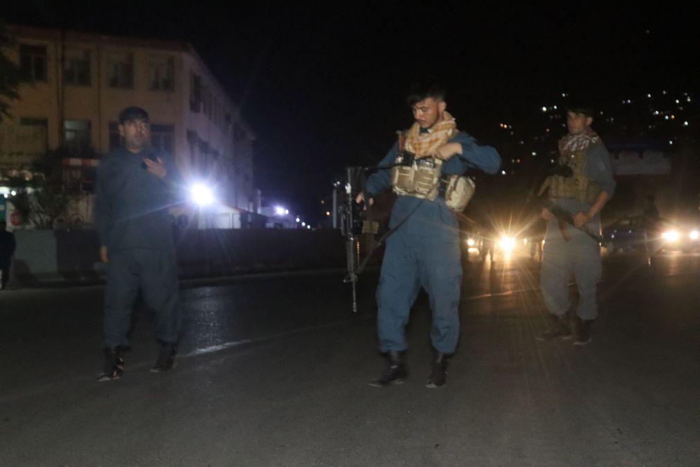 Pelo menos quatro mortos e 20 feridos em ataque a zona residencial de Cabul, no Afeganistão