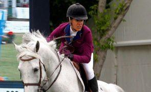 Tóquio2020: Cavaleira Luciana Diniz 10.ª nos saltos após penalização na final