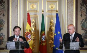 Covid-19: Portugal analisa com Brasil possível alívio de restrições às viagens