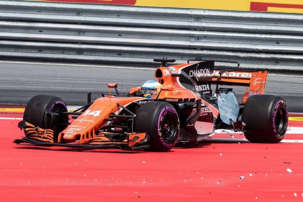 Fernando Alonso penalizado em cinco lugares por trocar bateria pela quinta vez