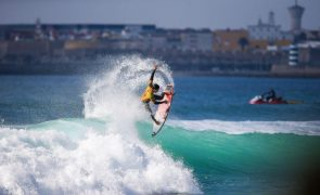 Etapa de Peniche regressa ao circuito mundial de surf em 2022