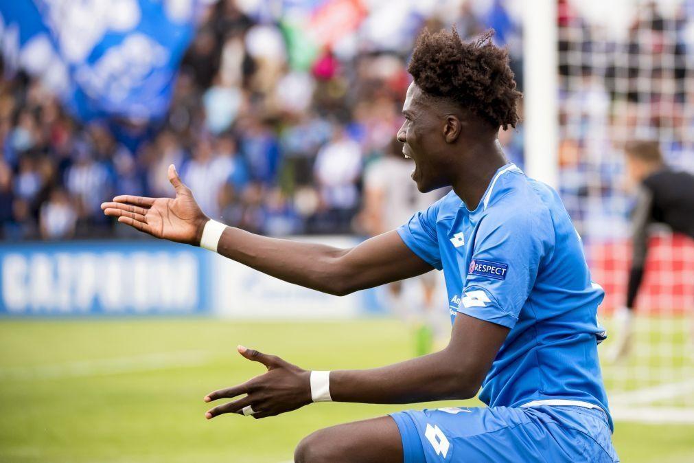 Médio belga Amadou Onana é reforço do campeão francês Lille