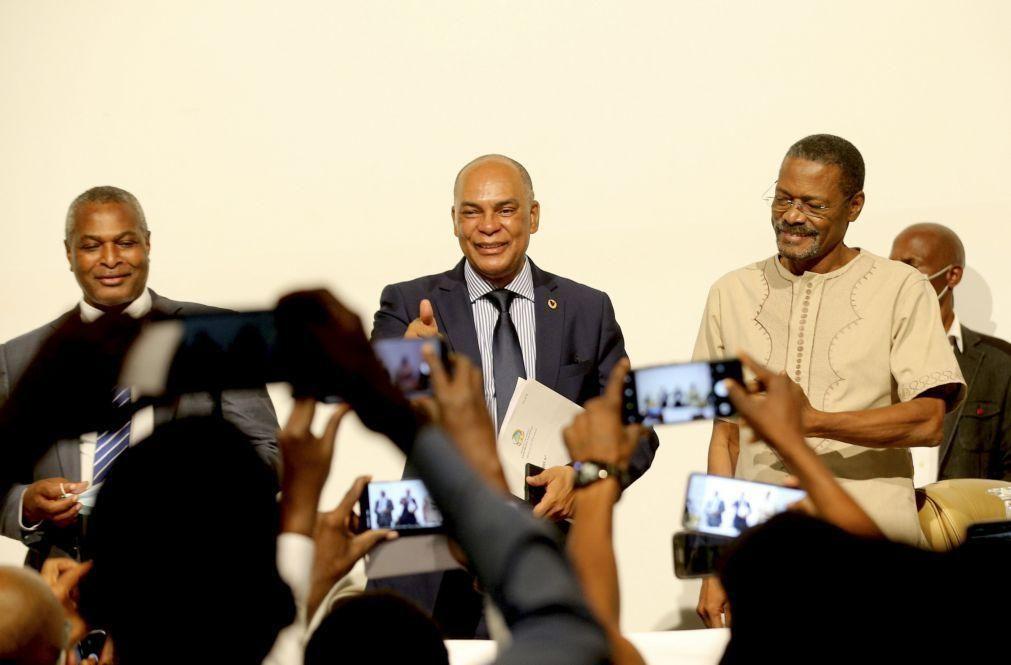 Projeto tripartido angolano Frente Patriótica Unida anuncia até final do mês o seu líder