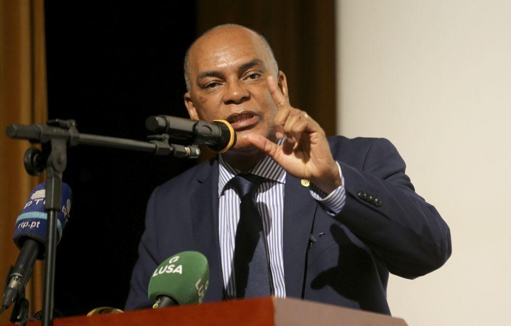 Projeto Frente Patriótica Unida apela adoção de programa de emergência para Angola