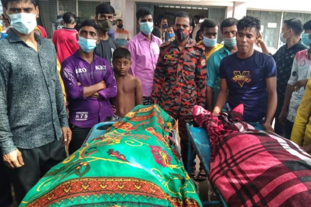 Relâmpago mata 17 pessoas durante casamento no Bangladesh [vídeo]