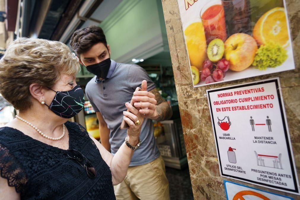 Covid-19: Espanha com 489 mortes em 7 dias mas incidência de casos diminui