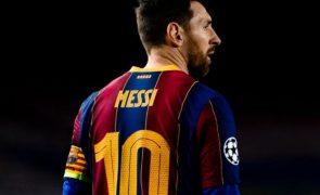 Messi abandona o Barcelona, confirma o clube catalão