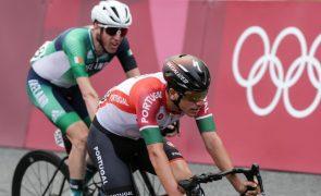 Ciclista João Almeida assina contrato de cinco anos com a UAE Emirates