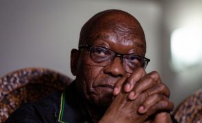Ex-PR sul-africano Zuma hospitalizado pouco antes de julgamento em caso de corrupção