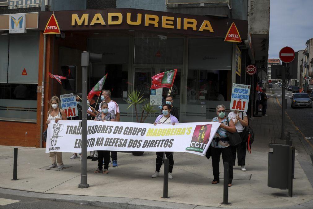 Trabalhadores do Madureira's em protesto pela 4.ª vez reivindicam indemnizações