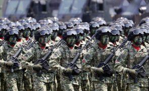 ONG aplaudem que exército indonésio elimine exames de virgindade