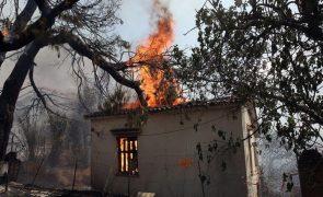 Grécia regista primeiro morto nos incêndios que assolam o país