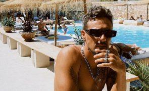 Miguel Cristovinho dos D.A.M.A. em Ibiza com Irina Shayk