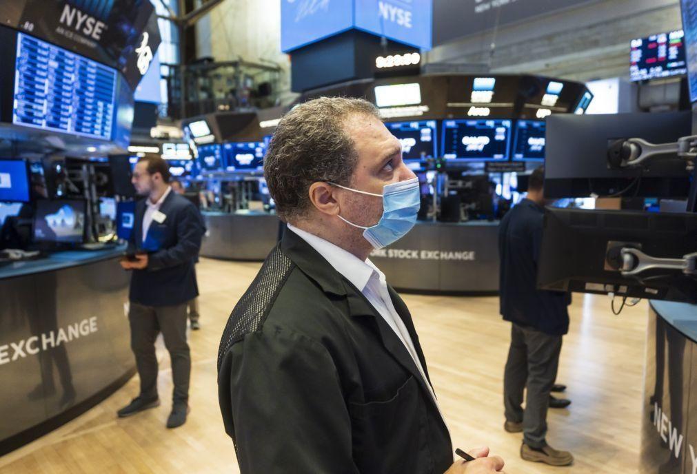 Bons números de emprego põem Dow Jones e S&P500 em níveis recorde em Wall Street