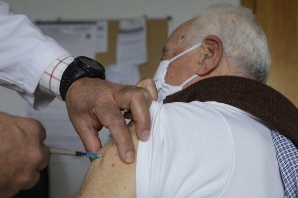 Covid-19: Maiores de 80 registam maior número de casos e de mortes desde junho