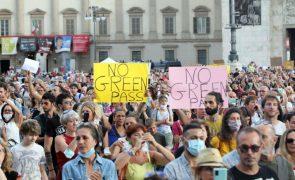 Covid-19: Manifestações em Itália contra certificado sanitário