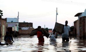Inundações danificam milhares de casas no Sudão
