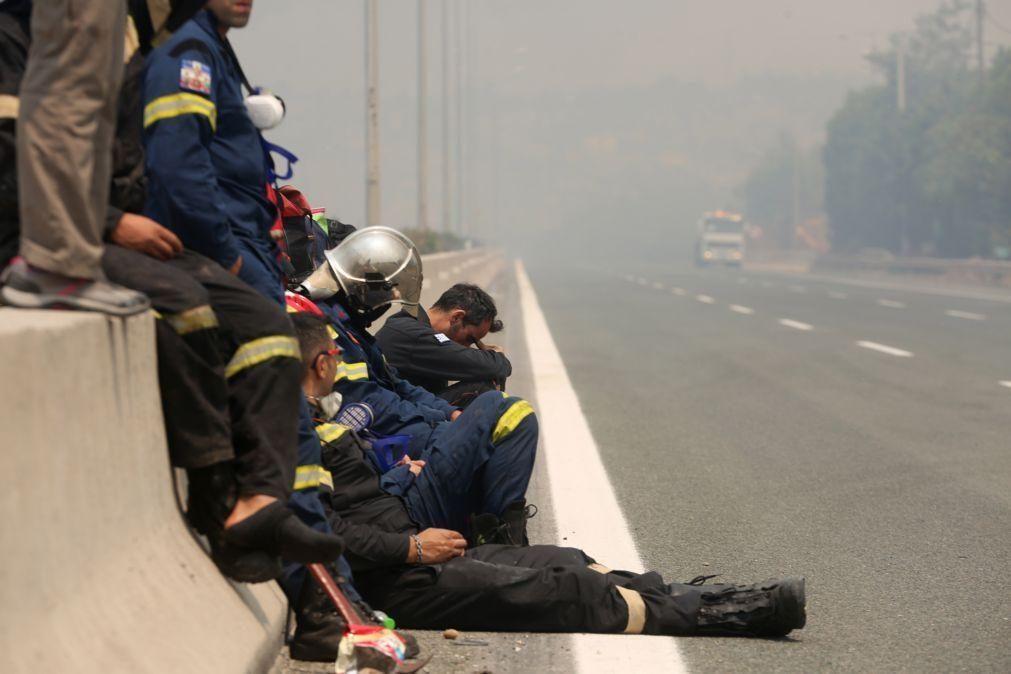 Vaga de incêndios na Grécia e Turquia prossegue e já dura há 12 dias
