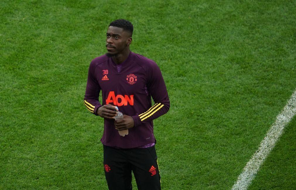 Manchester United empresta defesa Axel Tuanzebe ao Aston Villa