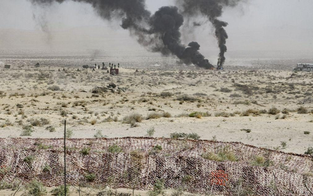 Afeganistão: Talibãs ganham terreno no norte com maior avanço desde maio