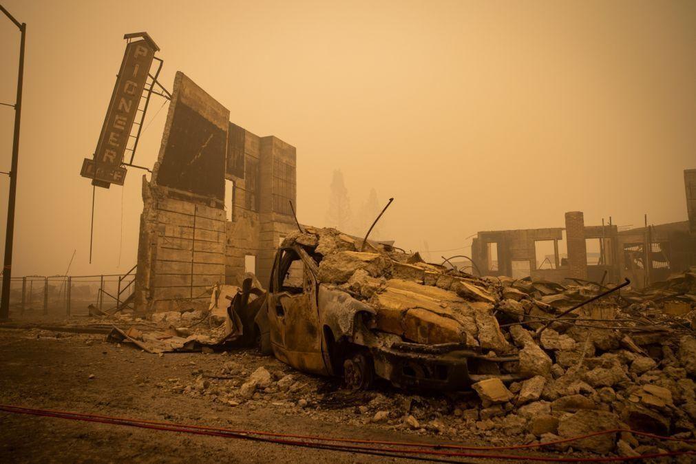 Incêndio Dixie já é o segundo maior de sempre registado na Califórnia