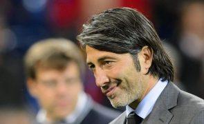 Ex-futebolista Murat Yakin é o novo selecionador da Suíça