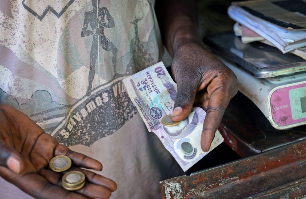 Dois polícias moçambicanos detidos e dois foragidos por suspeita de assalto em Maputo