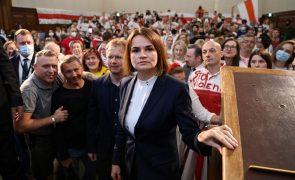 Bielorrússia: Líder da oposição promete continuar a lutar contra regime