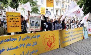 Acusado de execuções em massa no Irão em 1988 começou a ser julgado na Suécia