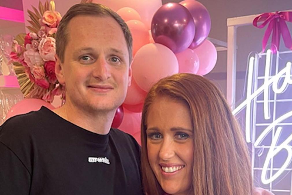 Noivos ultrapassam covid-19 e cancro e finalmente casam-se