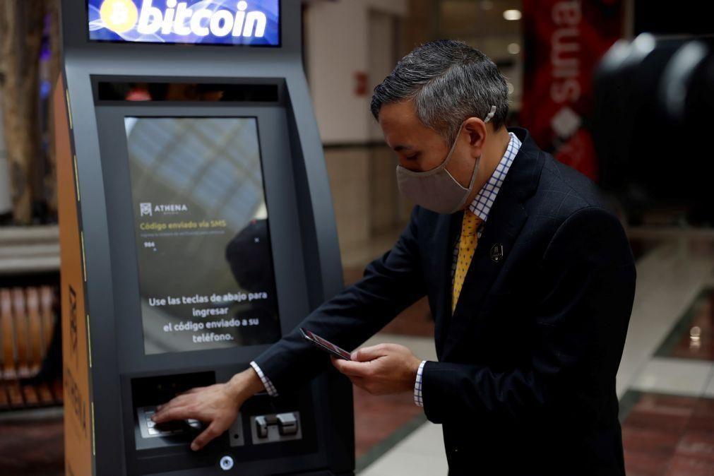 França aprova primeiro fundo de investimento na Europa ligado à bitcoin