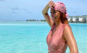 Liliana Campos encanta com fato-de-banho de 10 euros
