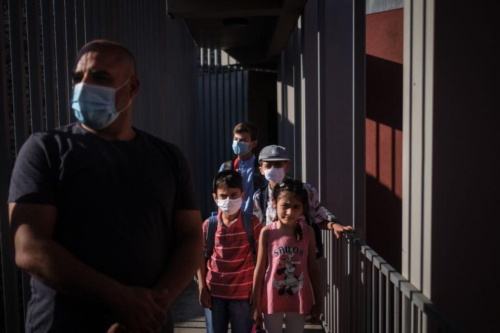 Grupo de 21 crianças e jovens de campos refugiados chegaram a Portugal