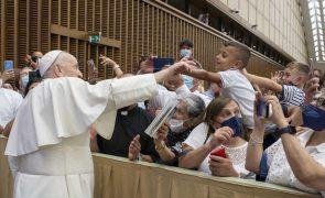 Covid-19: Vaticano não pede passaporte sanitário aos participantes da audiência com o Papa
