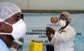 Covid-19: Moçambique vacinou cerca de 112 mil pessoas na última semana