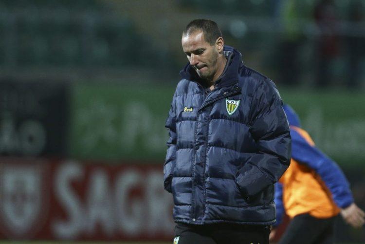 Petit deixa de ser treinador do Tondela