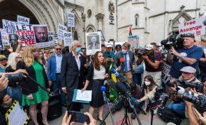 WikiLeaks: Justiça britânica alarga âmbito do recurso EUA da recusa de extradição de Assange