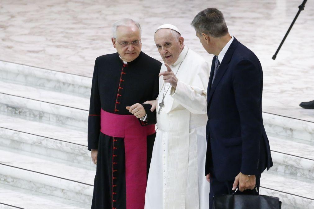 Papa defende denuncia da exploração dos trabalhadores do mercado livreiro