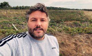 César Mourão passa-se com seguidor por causa do fotografia do filho
