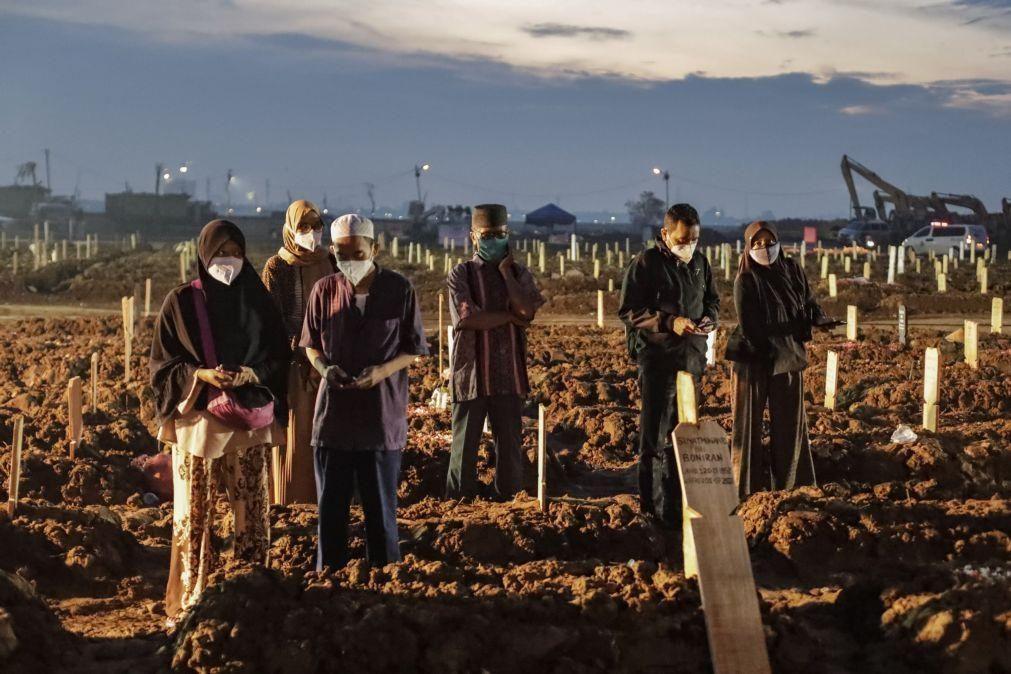 Covid-19: Balanço mundial totaliza 4.323.957 mortes desde o início da pandemia