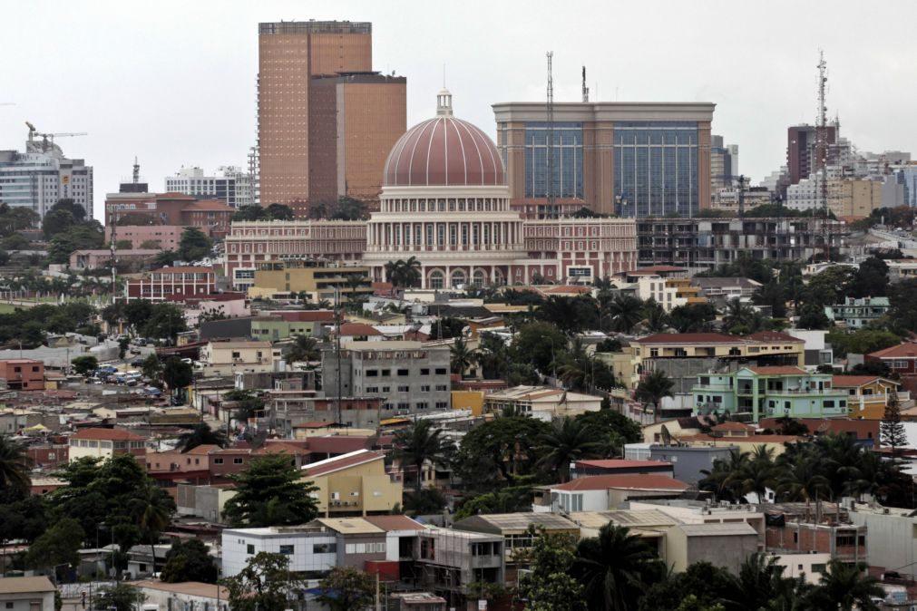 Poder legislativo angolano será representado por uma bandeira, insígnia e martelo