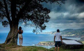 Banhos interditados nas praias de Santa Bárbara e Monte Verde em São Miguel