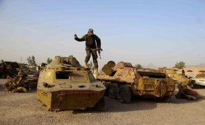 Afeganistão: EUA reenviam militares para retirar funcionários da sua embaixada