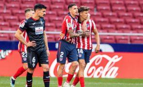 Uruguaio Giménez prolonga contrato com Atlético de Madrid até 2025