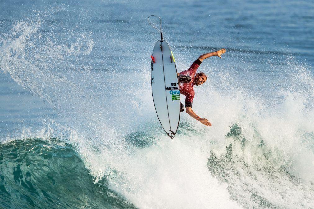Frederico Morais nos 'quartos' da prova mexicana da elite mundial de surf