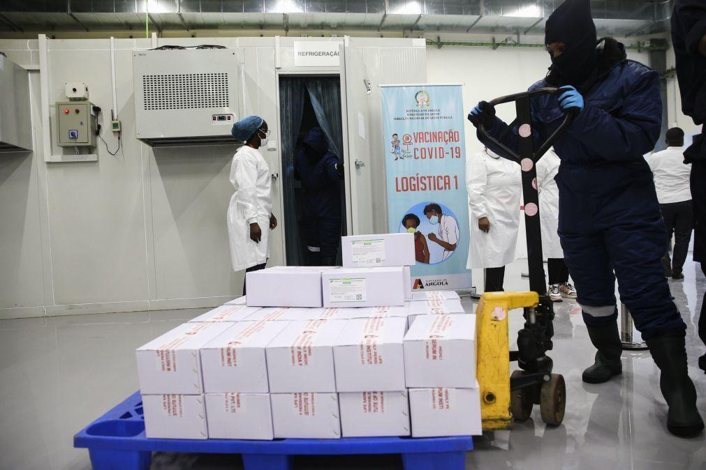 Covid-19: Países africanos recebem 3 milhões de vacinas doadas pelo Reino Unido