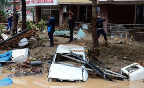 Número de mortos causado por inundações na Turquia sobe para 27