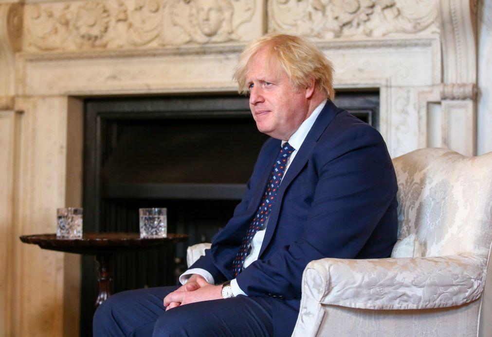 Afeganistão: Boris Johnson promete