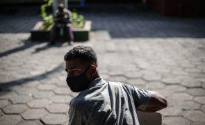 Covid-19: Brasil regista 966 mortes e mais de 33 mil casos em 24 horas