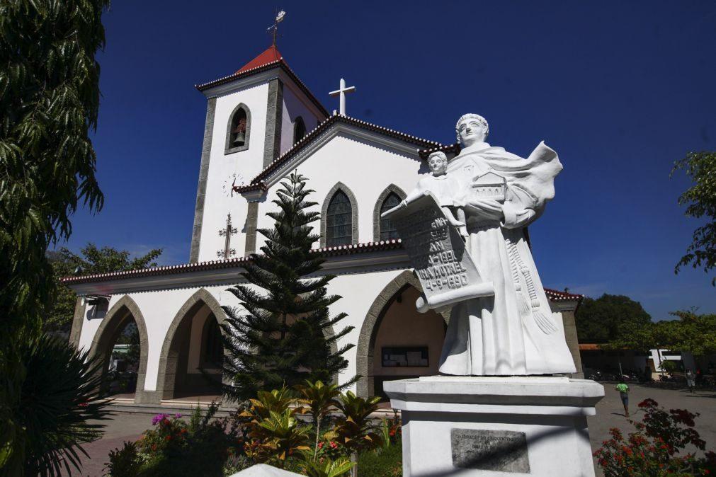 Igreja Católica timorense deve repensar o seu papel no país -- arcebispo Díli